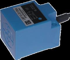 Индуктивный бесконтактный датчик AR-LMF10-3015